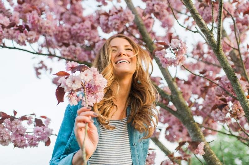 whidbey island cherry blossom engagement pictures
