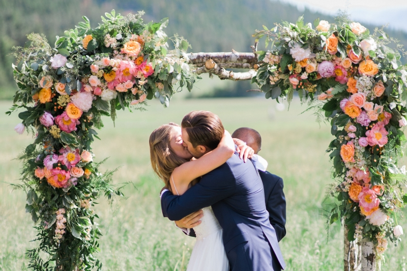 mountain springs lodge wedding leavenworth wa