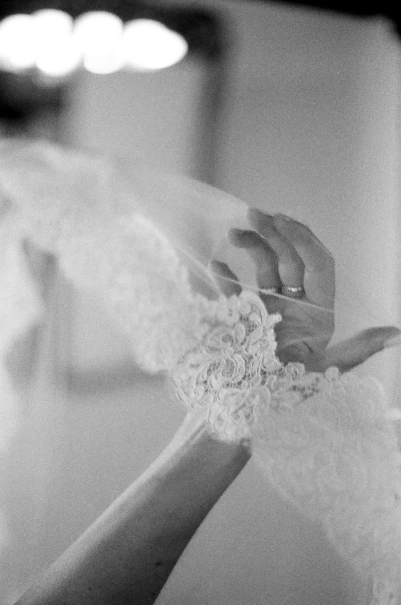 bw film photography seattle wedding