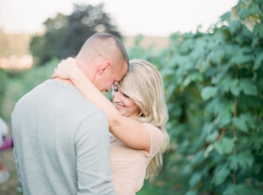 chateau ste michelle vineyard engagement photos