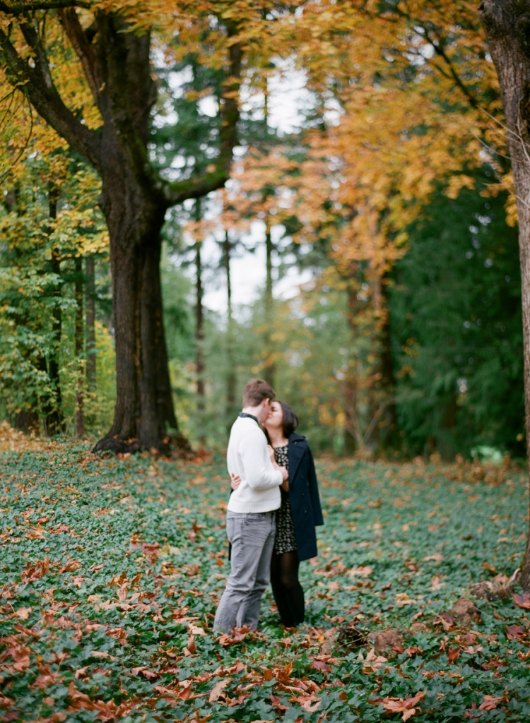 redmond idylwood park engagement fall foliage film