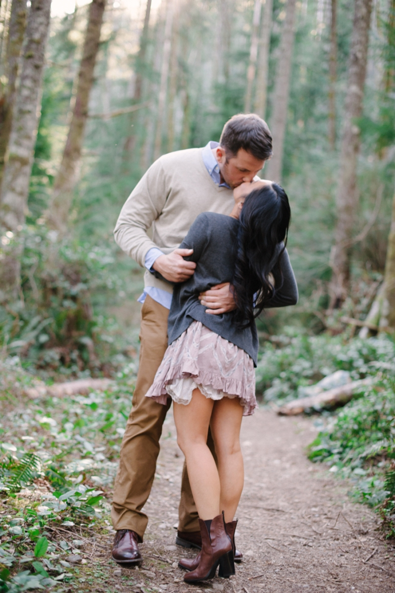 rattlesnake ridge engagement photos  seattle photographer