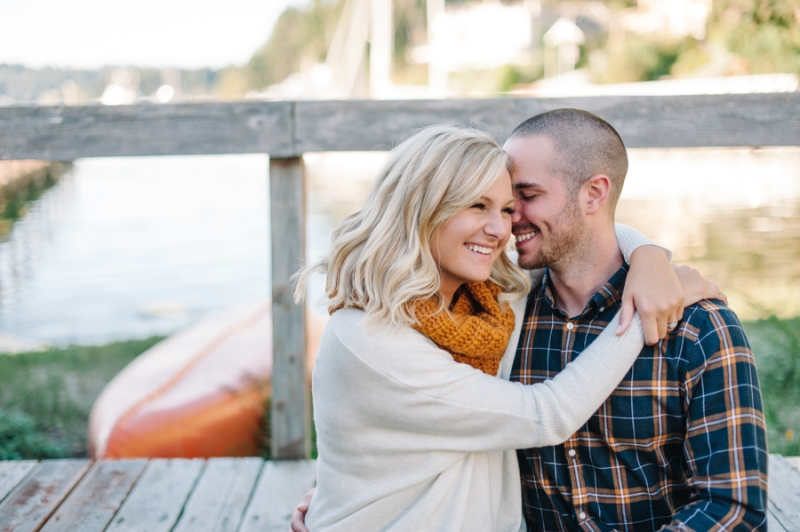 Gig Harbor Lighthouse Fall Engagement Photos