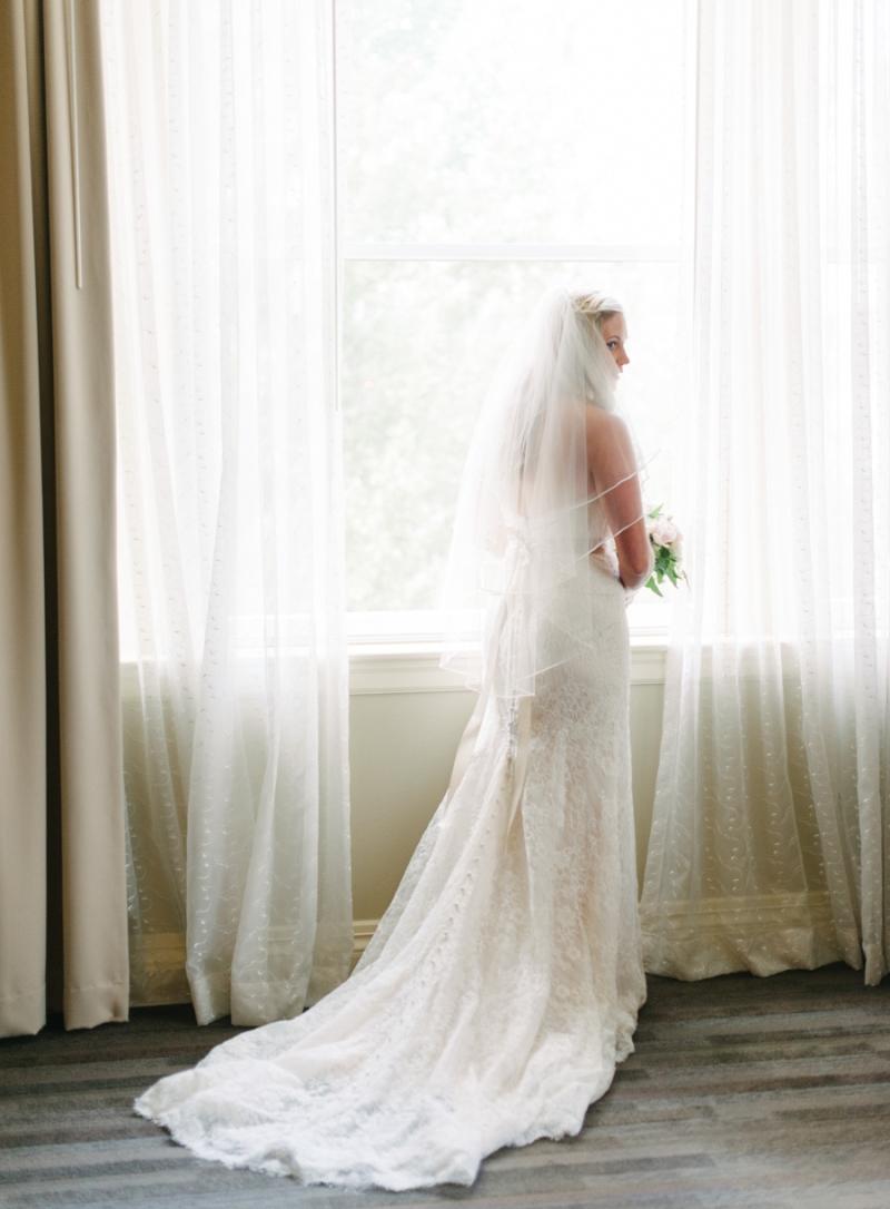 Wedding dress store downtown seattle discount wedding for Wedding dresses seattle washington