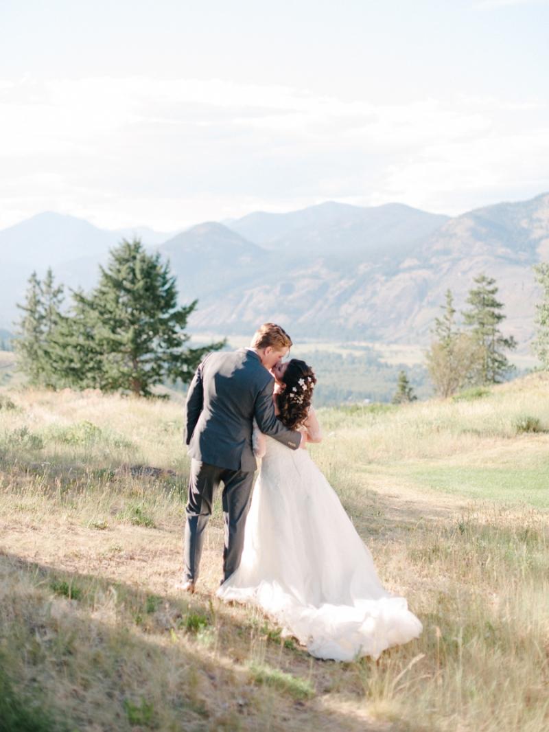 sun mountain lodge wedding photography