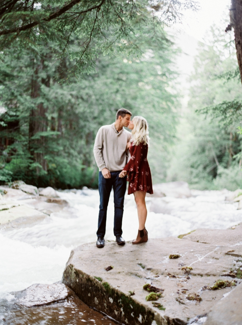 franklin falls snoqualmie engagement photos