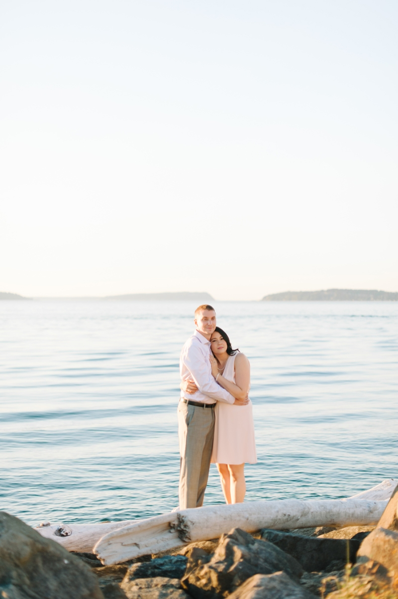 mukilteo beach engagement photos