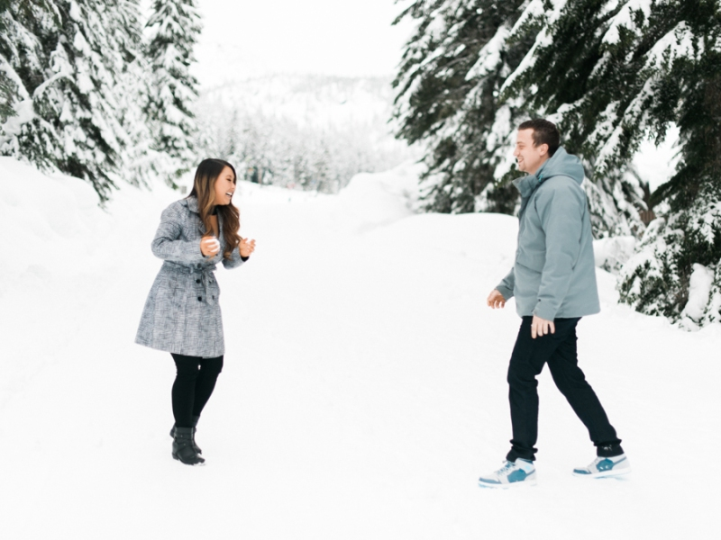 seattle engagement photographer snow