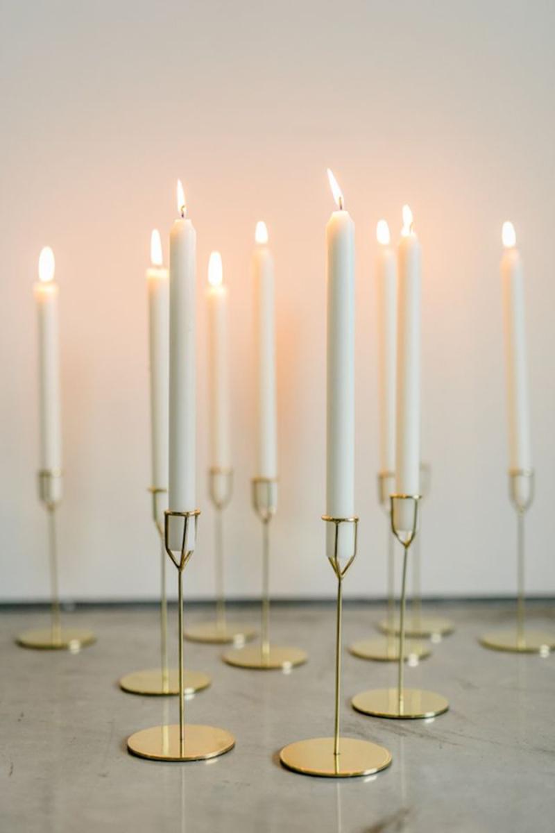 6faf6f1c801c62a365a6f7f6abca8e45--candlestick-centerpiece-gold-centerpieces