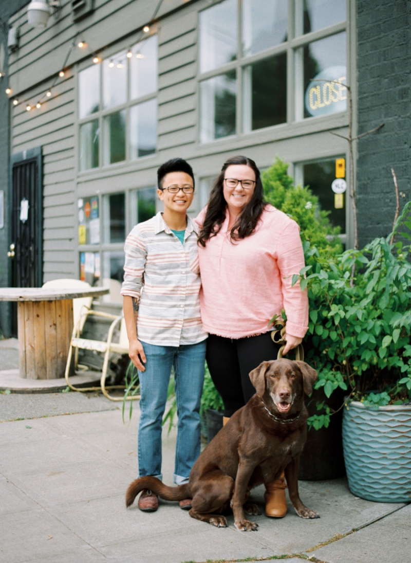 seattle-engagement-photos-film-dog020