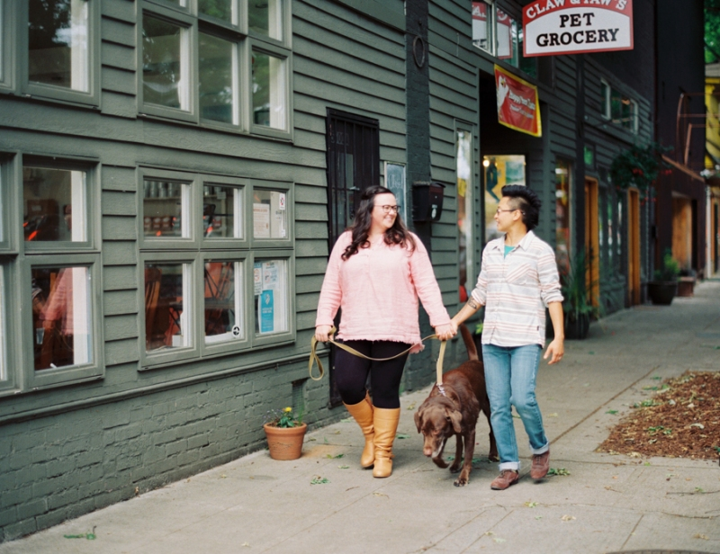 seattle-engagement-photos-film-dog025
