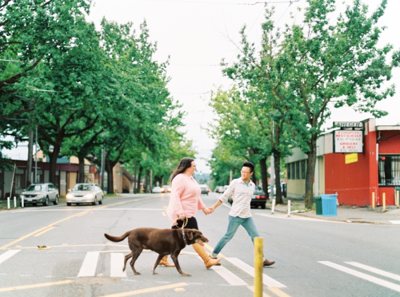 seattle-engagement-photos-film-dog033