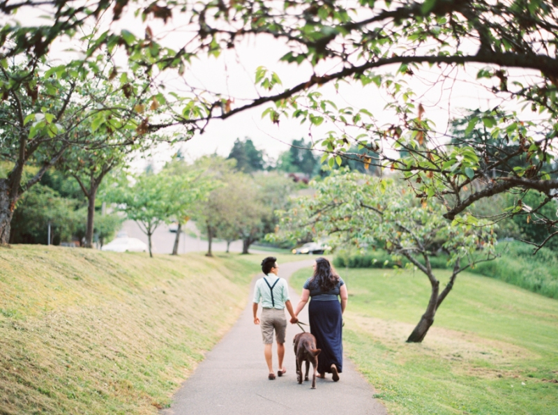 seattle-engagement-photos-film-dog034