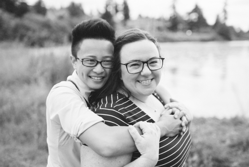 seattle-engagement-photos-film-dog039