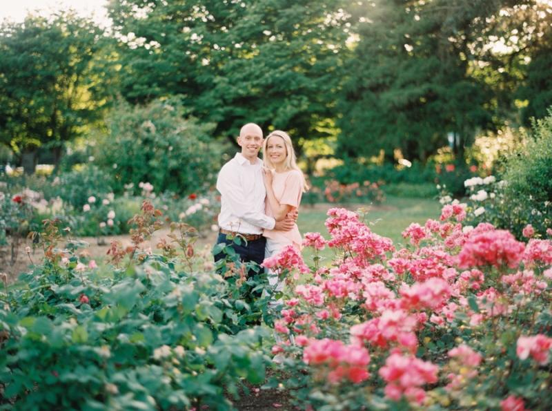 Seattle-Engagement-Photos-Rose-Garden0002