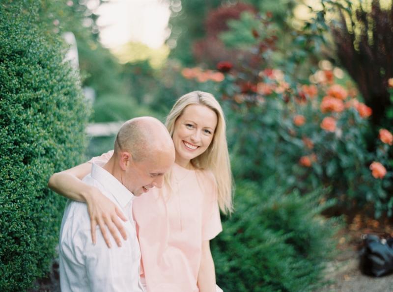 Seattle-Engagement-Photos-Rose-Garden0005