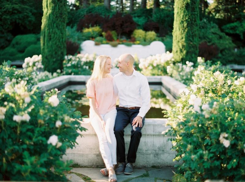 Seattle-Engagement-Photos-Rose-Garden0008