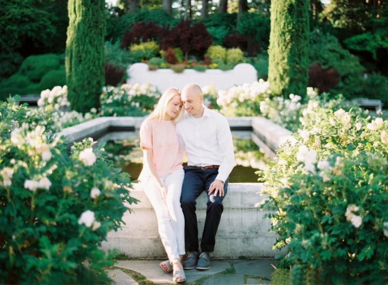 Seattle-Engagement-Photos-Rose-Garden0009