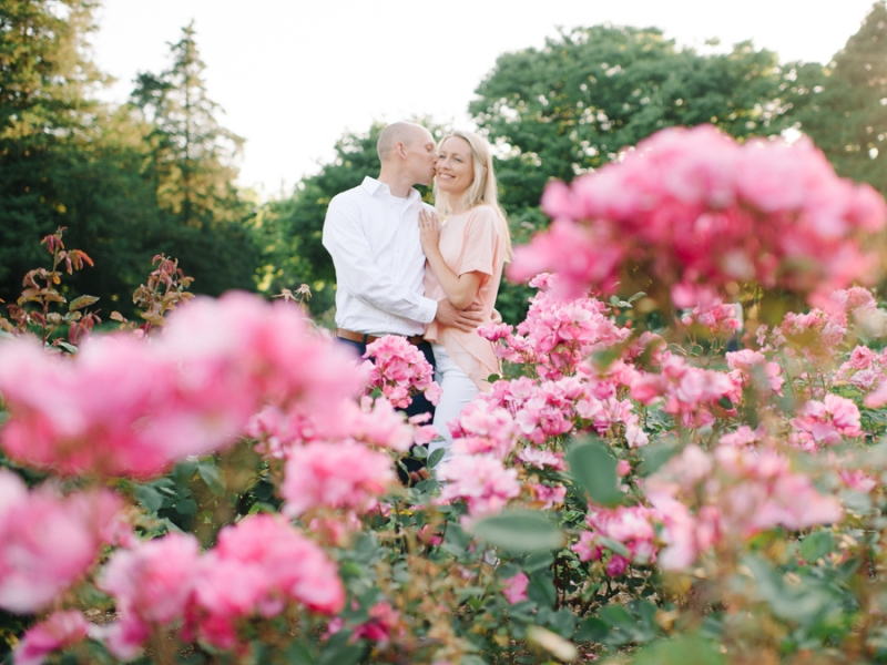 Seattle-Engagement-Photos-Rose-Garden0015