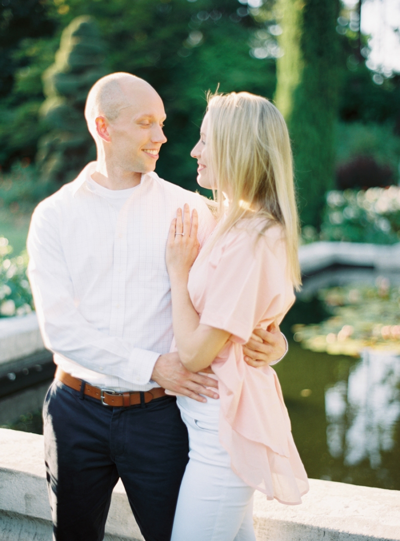 Seattle-Engagement-Photos-Rose-Garden0017