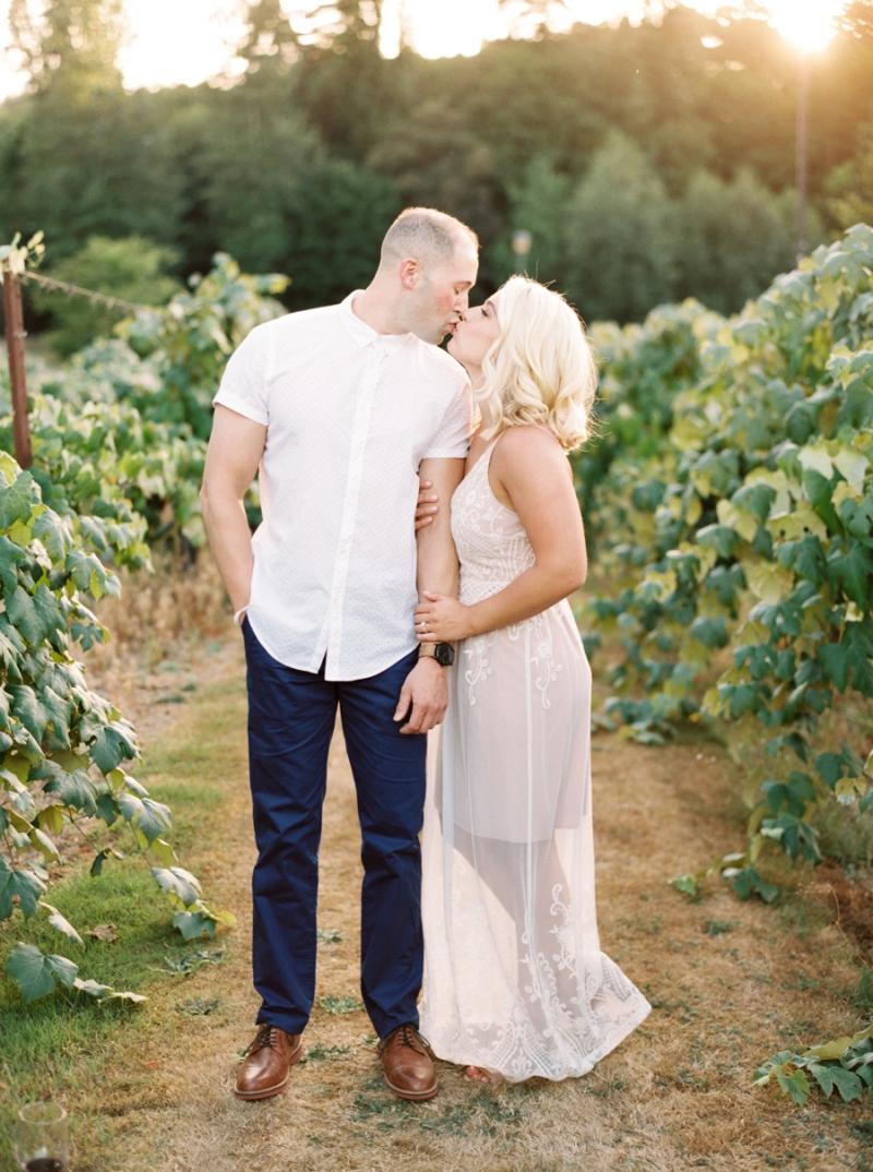 vineyard-engagement-photos-film0002