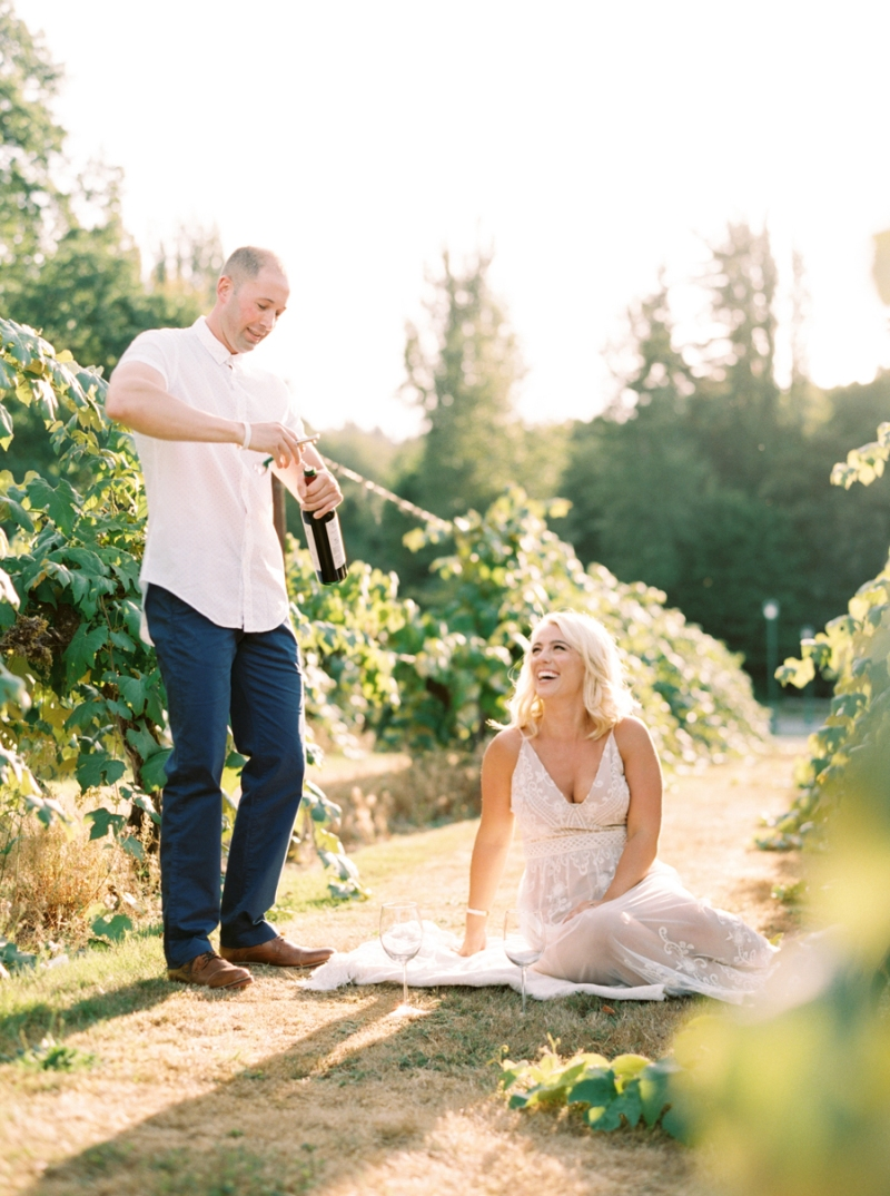 vineyard-engagement-photos-film0004