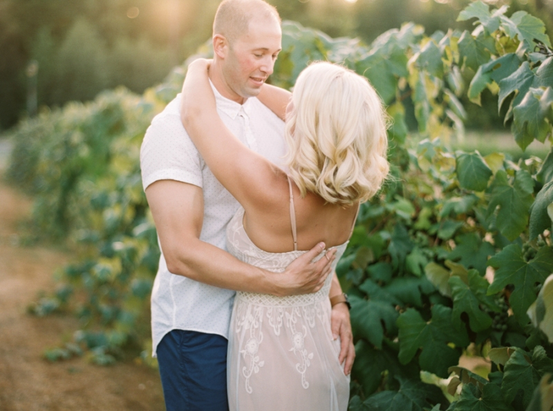 vineyard-engagement-photos-film0032