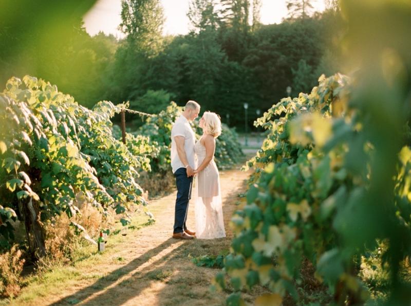 vineyard-engagement-photos-film0038