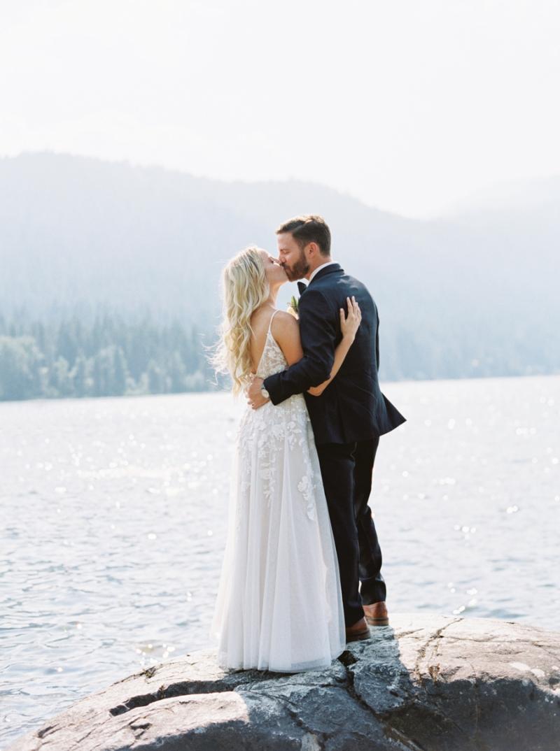 Mt-Springs-Lodge-Leavenworth-Wedding-Photos-008