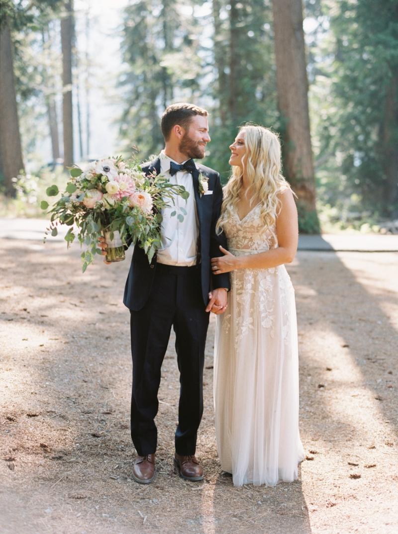 Mt-Springs-Lodge-Leavenworth-Wedding-Photos-010