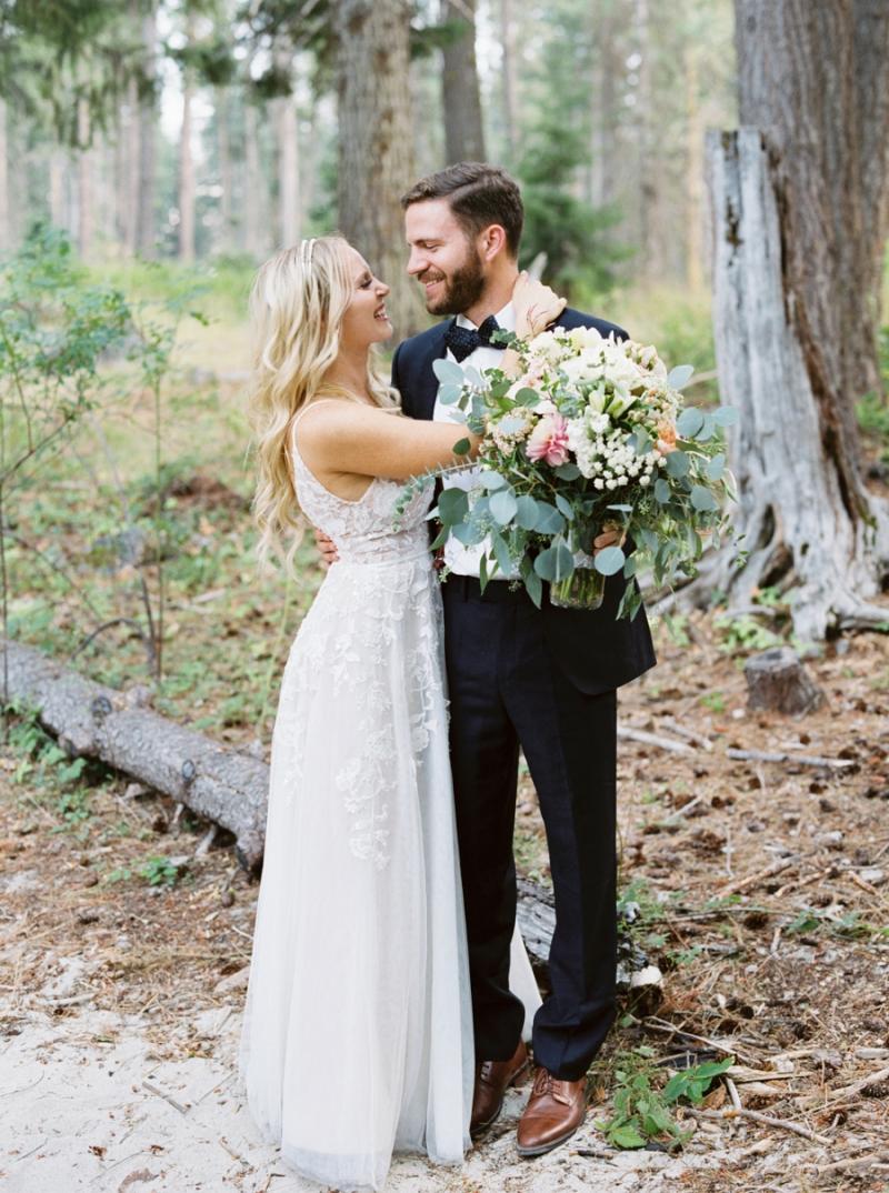 Mt-Springs-Lodge-Leavenworth-Wedding-Photos-012