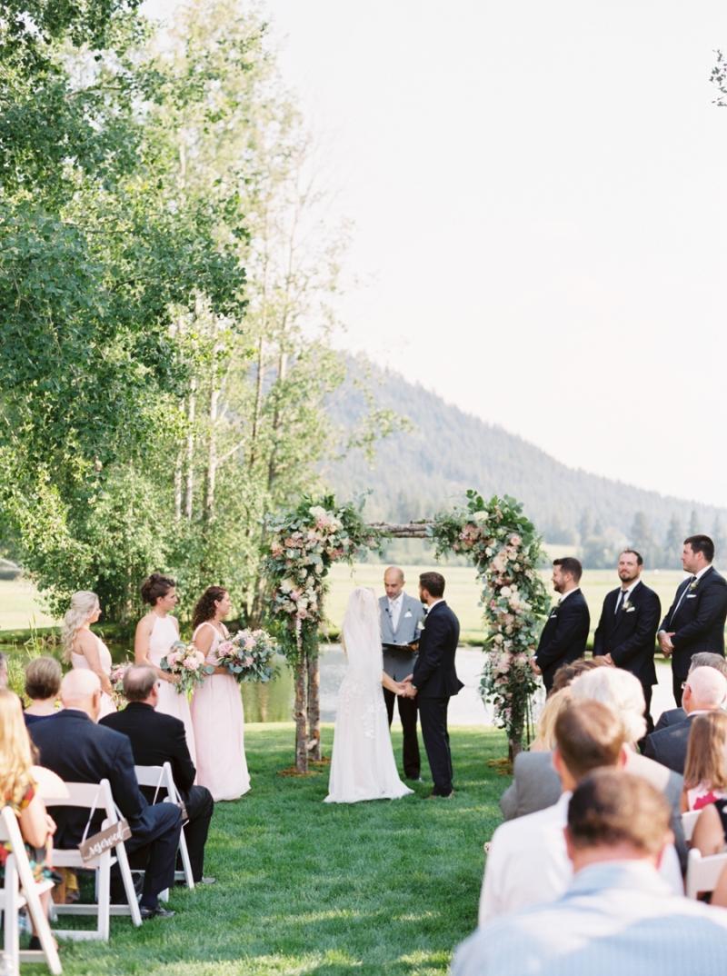 Mt-Springs-Lodge-Leavenworth-Wedding-Photos-015