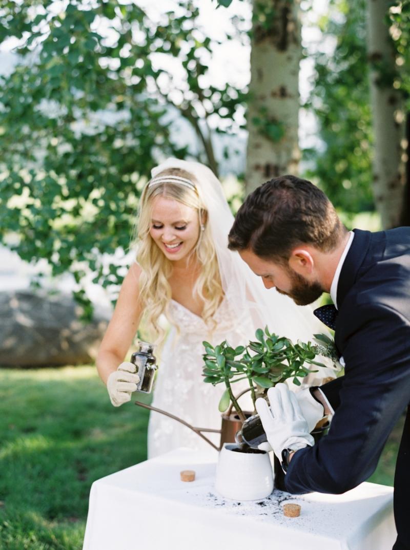 Mt-Springs-Lodge-Leavenworth-Wedding-Photos-017