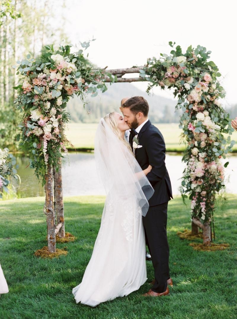 Mt-Springs-Lodge-Leavenworth-Wedding-Photos-018