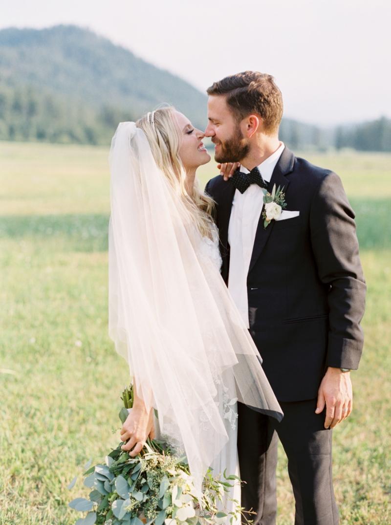 Mt-Springs-Lodge-Leavenworth-Wedding-Photos-023