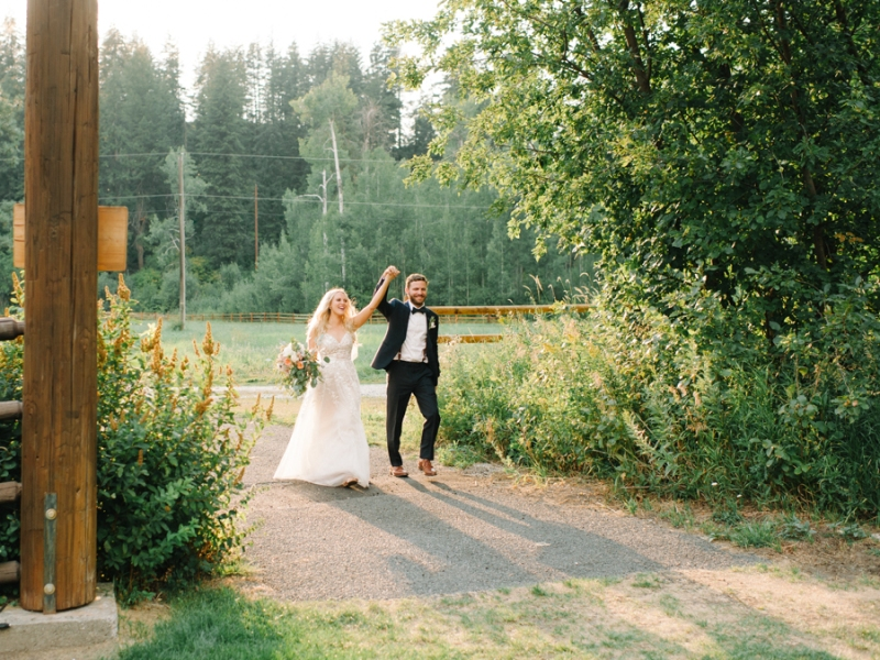 Mt-Springs-Lodge-Leavenworth-Wedding-Photos-108
