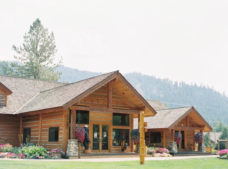 Mt-Springs-Lodge-Leavenworth-Wedding-Photos-110