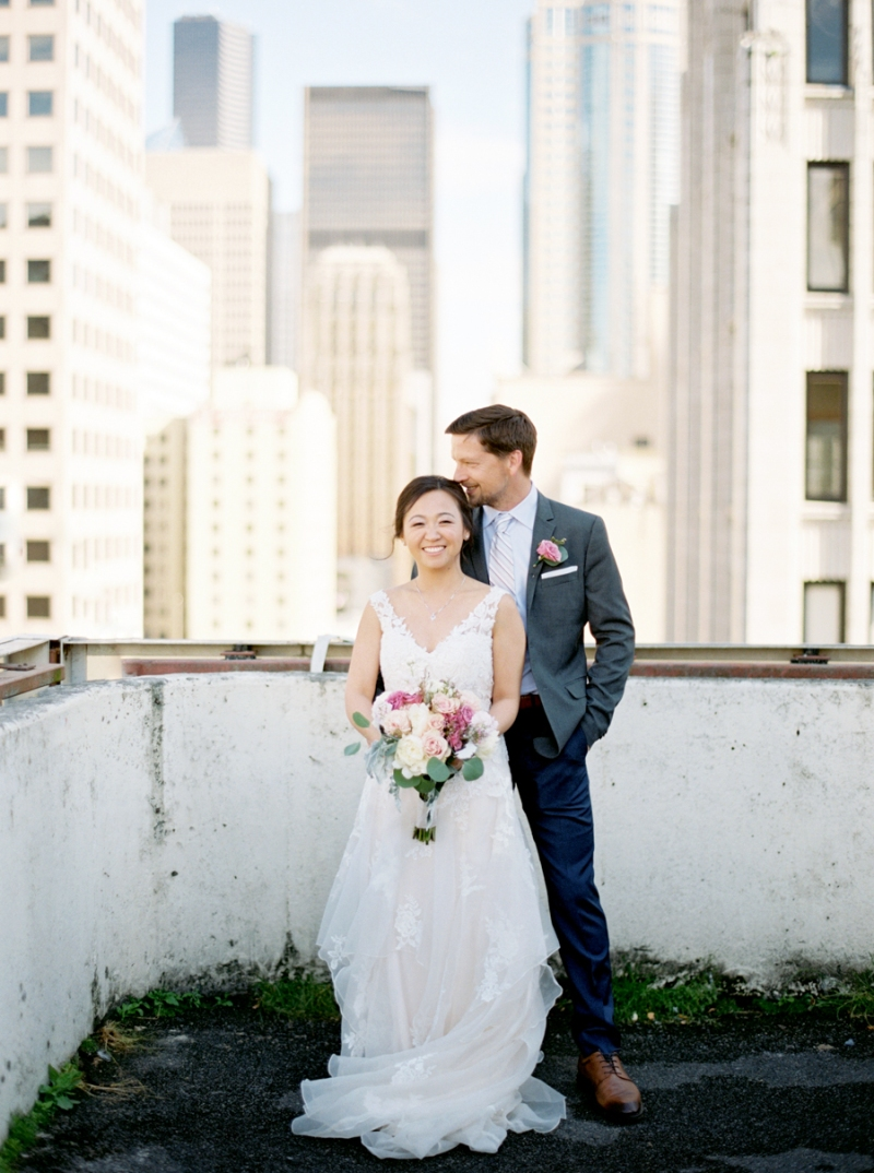 downtown-seattle-wedding-rooftop-film-001