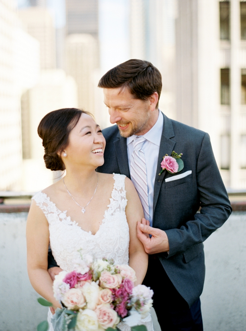 downtown-seattle-wedding-rooftop-film-002