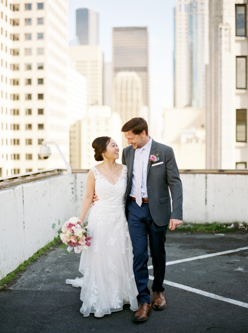 downtown-seattle-wedding-rooftop-film-003