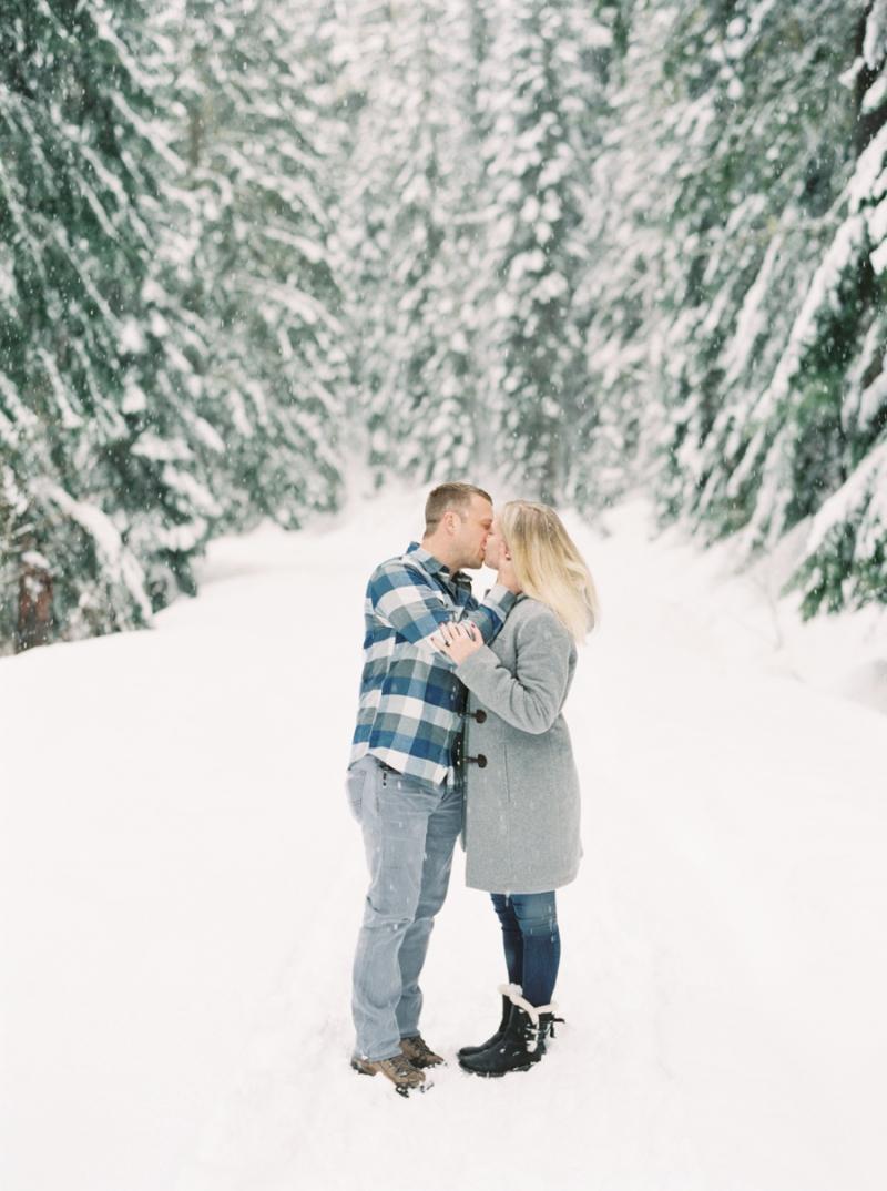 seattle-engagement-photographer-snow-film-900