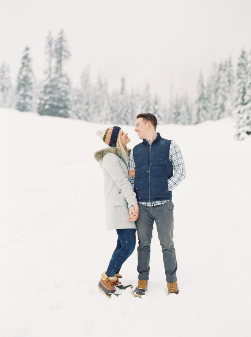 snoqualmie-pass-engagment-photos-snow-film-080