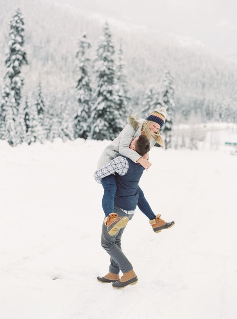 snoqualmie-pass-engagment-photos-snow-film-083